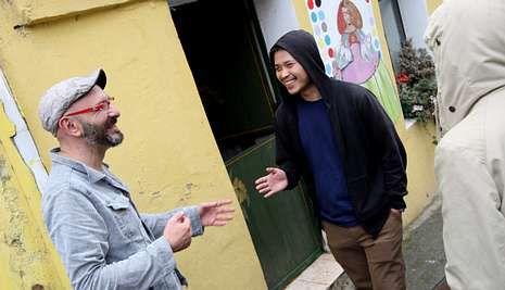 El taiwanés Ting-Tong junto con el organizador de Las Meninas de Canido, Eduardo Hermida. josé pardo